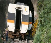 كاميرا قطار تسجل لحظة اصطدامه بكتلة حجرية