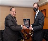رئيس مؤسسة أخبار اليوم يستقبل متحدث السفارة الأمريكية بالقاهرة