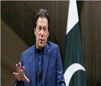 رئيس وزراء باكستان: ملابس النساء السبب في جرائم الاغتصاب