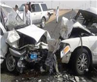 إصابة 8 أشخاص من أسرة واحدة في حادث تصادم سيارتين بالمنيا