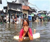 ارتفاع حصيلة ضحايا الفيضانات في إندونيسيا إلى 165 قتيلا