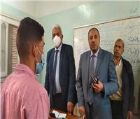 نائب رئيس جامعة الأزهر بقنا يشدد على تخفيف ساعات الدراسة