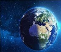 هل تستقبل الأرض غبار وأجسام وبقايا مذنبات تخترق الغلاف الجوي