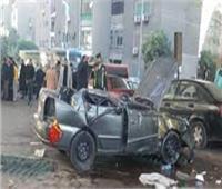 التحقيق في مصرع سائق وزوجته وشقيقتها إثر انقلاب سيارة بالطريق الصحراوي