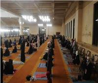 التزام النساء بإجراءات التباعد الاجتماعي في التراويح بمسجد الشربتلي | صور