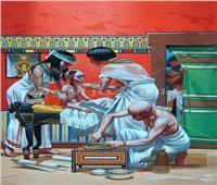 إبداع بلا حدود.. طبيب فرعوني يعالج طفلاً في مصر القديمة