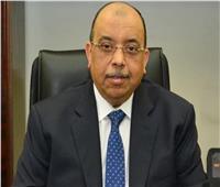 وزير التنمية المحلية يهنىء العاملين في مكاتبهم بالوزارة بحلول شهر رمضان