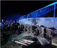 ارتفاع عدد ضحايا حادث تصادم طريق أسيوط البحر الأحمر إلى 18 وفاة | صور وفيديو