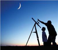 البحوث الفلكية تكشف موعد اقتران القمر بـالمريخ