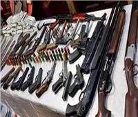 سقوط 80 متهما من تجار المخدرات والسلاح بالجيزة