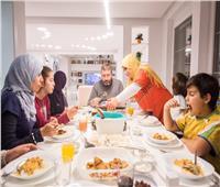 فيديو| كيفية التعامل مع عزومات شهر رمضان في ظل جائحة كورونا