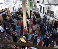 اثناء الصلاة .. رواد مساجد البحيرة يلتزمون بالإجراءات الاحترازية