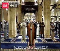شاهد   شعائر صلاتي العشاء والتراويح ليلة 3 رمضان بالجامع الأزهر