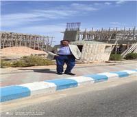 محافظ مطروح يتفقد إنشاء البوابة الجديدة لمدخل  مرسى مطروح