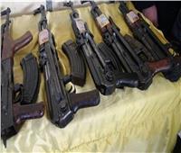 سقوط 50 متهمًا بحوزتهم أسلحة نارية ومخدرات بالجيزة