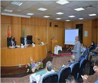 محافظ المنيا يتابع المشروع القومي لتطوير الريف المصري