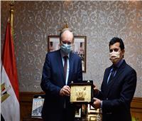 وزير الرياضة يبحث سُبل التعاون مع سفير الاتحاد الأوروبي بـ«القاهرة»
