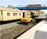 «السكة الحديد»: إحالة المسئولين عن واقعة سير توك توك على القضبان للتحقيق