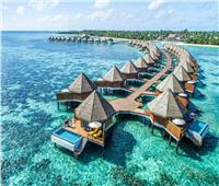 جزر المالديف تقدم «لقاحات كورونا» للسياح عند الوصول
