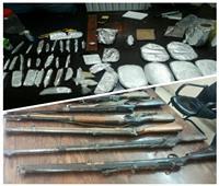 ضبط مخدرات وسلاح بحوزة 56 شخص بالجيزة