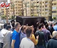 صور جنازة والدة أحمد خالد صالح من مسجد عمرو بن العاص