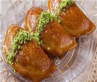 حلويات رمضان| أسهل طريقة لتحضير قطايف بالجوز والقرفة