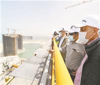 وزير الإسكان يُتابع أعمال أبراج العلمين من ارتفاع ٤٢ طابقاً