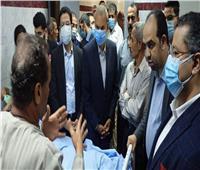 محافظ القليوبية يطمئن على الحالة الصحية لمصابي حادث قطار طوخ.. صور