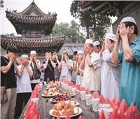 عادات رمضان حول العالم | «البطيخ الأحمر» كلمة السر في الصين