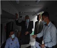 محافظ المنيا يتفقد سيارة المركز التكنولوجي المتنقلة لخدمة المواطنين
