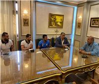 رئيس الأولمبية يجتمع بلاعبي منتخب المصارعة بحضور رئيس الاتحاد