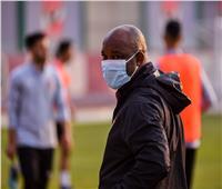 موسيماني يحاضر لاعبي الأهلي استعدادًا لمواجهة سموحة