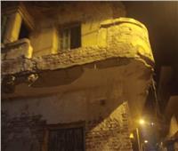 انهيار بلكونة منزل غير مأهول بالسكان بدمنهور.. دون حدوث خسائر بشرية