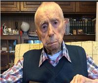 عمل في أمراض النبات لمدة 70 عامًا.. من هو عميد البشرية؟ | صور