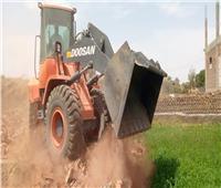 إزالة 3 مخالفات بناء على الأراضى الزراعية بأرمنت