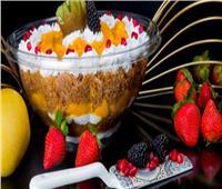 حلويات رمضان.. أسهل طريقة لتحضير كنافة بالقشطة والتوت