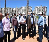 وزير الإسكان يتفقد اللمسات الأخيرة للانتهاء من كورنيش المنصورة الجديدة
