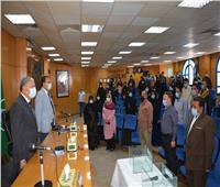 محافظ المنيا يشهد قرعة توزيع 80 وحدة سكنية للأولى بالرعاية بملوي