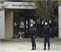 مقتل شرطية فرنسية في هجوم بسكين بالقرب من باريس