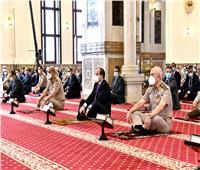الرئيس يهنئ قادة القوات المسلحة ويناقش معهم بعض القضايا الاقليمية والأمن القومي