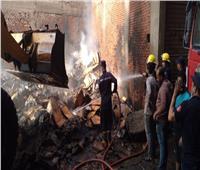 السيطرة على حريق بمخزن كرتون بشبرا الخيمة.. صور