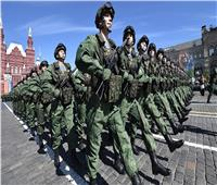 روسيا تعلن بدء سحب قواتها من المناطق الحدودية الأوكرانية