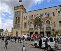 وزير النقل يصل محطة «مصر» للاجتماع مع رئيس وقيادات «السكة الحديد»