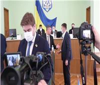شجار عنيف بالأيدي بين نواب أوكرانيين بسبب علم روسيا.. فيديو