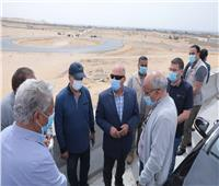 وزير النقل يتابع اللمسات النهائية للمرحلة الأولى من تطوير طريق الصعيد الغربي
