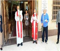 أجراس الكاتدرائية الأسقفية تدق وتعلن بدء قداس أحد السعف