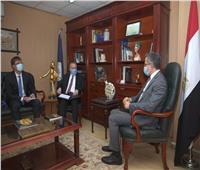 للإطلاع على جاهزية منتجعاتها السياحية.. «العناني» يتلقي سفير روسيا في القاهرة