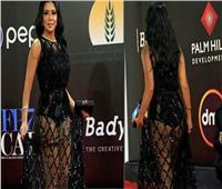 مفيد فوزي: غاضب من إظهار ملابس «رانيا يوسف» الساخنة وإبراز ظهرها العاري