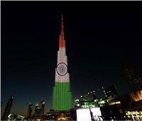 الإمارات تضيء برج خليفة بألوان علم الهند تضامنا معها في مواجهة كورونا