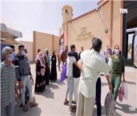 فرحة نزلاء السجون المفرج عنهم بمناسبة عيد تحرير سيناء  فيديو